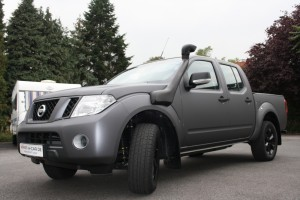 Nissan Navaro Vollfolierung by wrap-a-car Solingen - der Folienprofi für PKW