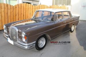 Dachfolierung bei einem Mercedes Benz Oldtimer