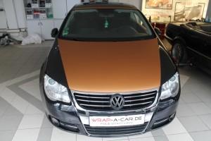 Teilfolierung eines Volkswagen