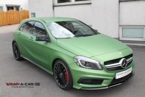 Mercedes AMG in grün matt metallic