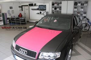Motorhaube in Pink